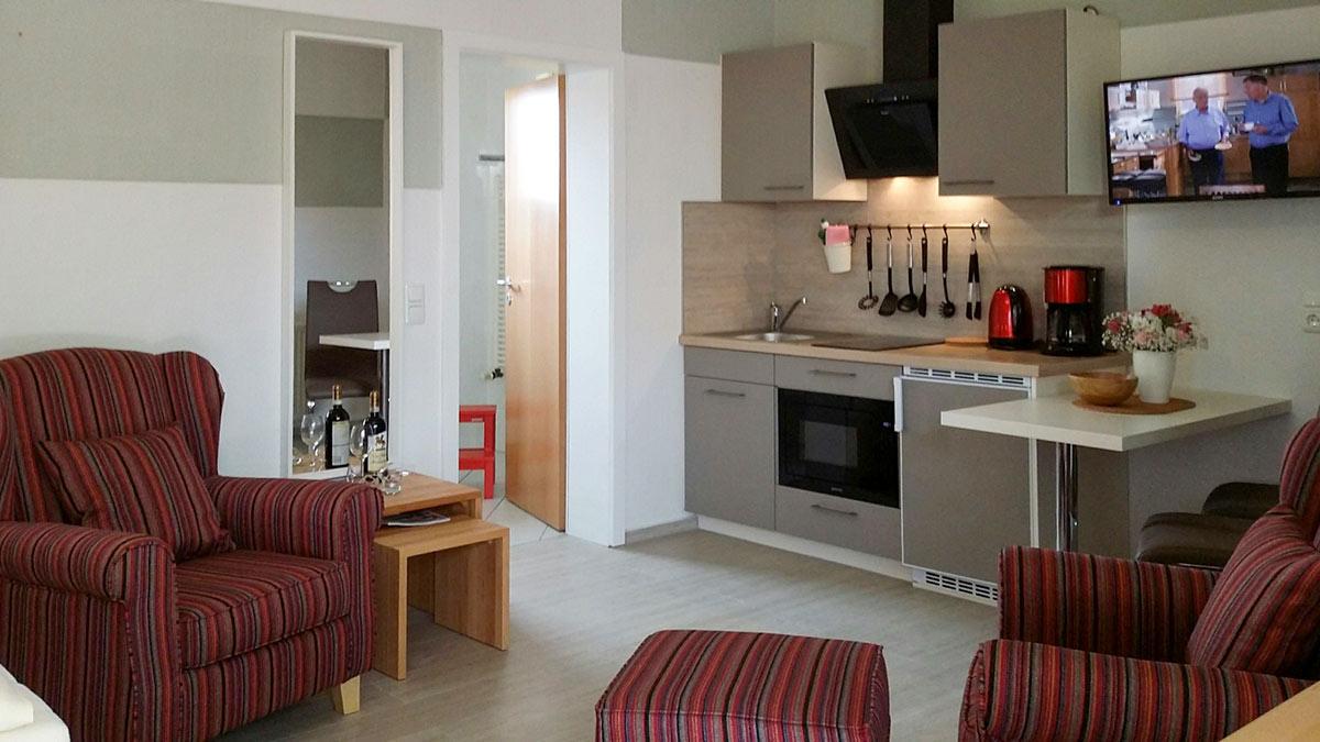 ferienwohnung pilsumer leuchtturm nur 200 m vom strand. Black Bedroom Furniture Sets. Home Design Ideas
